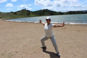 corinne chauveau yoga plage behappyoga