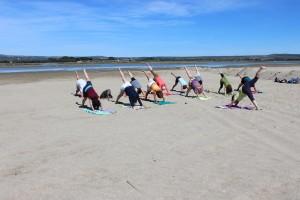 yoga plage corinne chauveau behappyoga