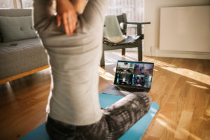 Be happYoga en ligne via Zoom